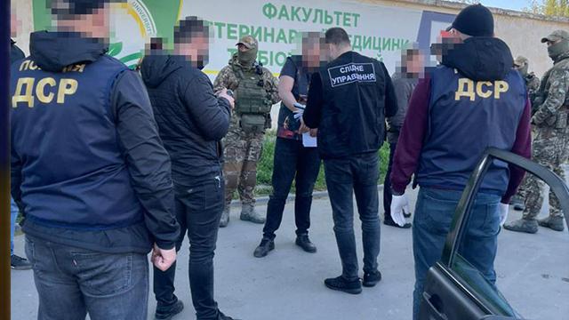 Прикидались водіями таксі: в Одесі затримали жорстоку банду – ВІДЕО, ФОТО
