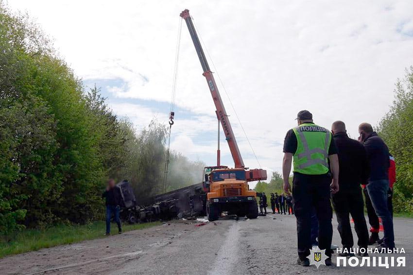 Не мав права керувати вантажівкою: нові подробиці про смертельну ДТП на Хмельниччині