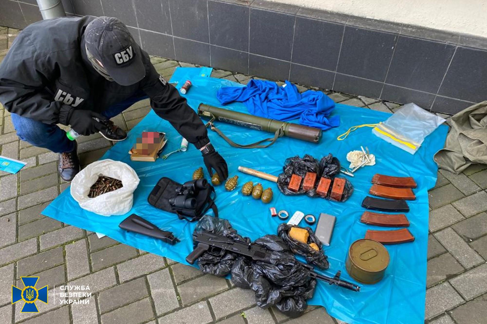 Схрон з боєприпасами в центрі Києва виявила СБУ