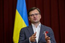Україна повернула п'ятьох пацієнтів, які лікувалися у Білорусі – Кулеба
