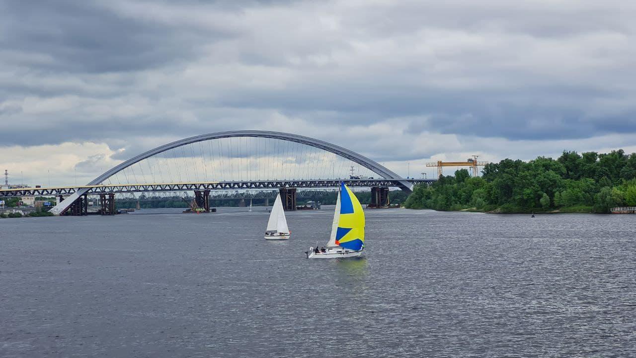 День Києва 2021: у столиці запустили вітрильну регату