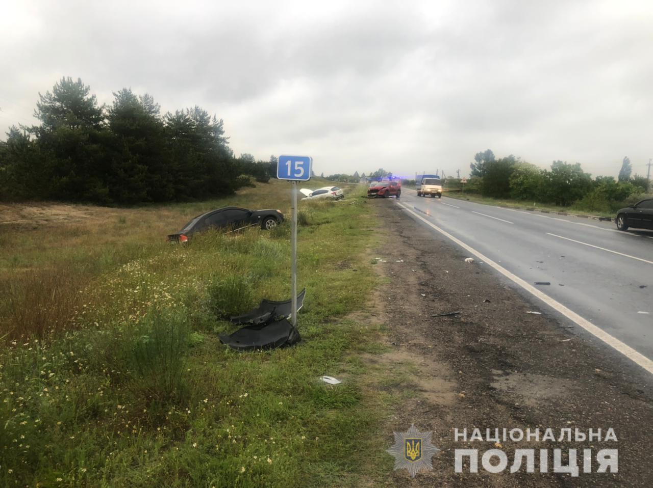 Масштабна ДТП під Херсоном: постраждали шестеро дітей