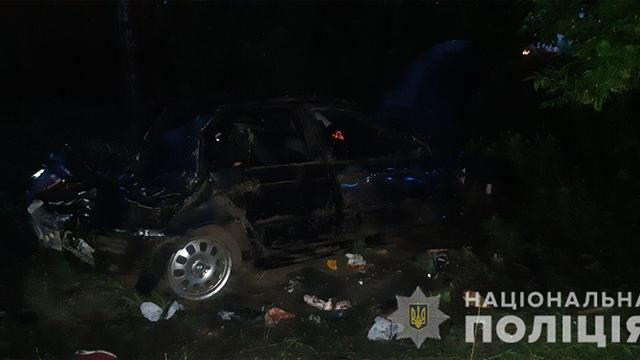 Хлопчик загинув у день народження: на Київщині в ДТП розбилася родина – ФОТО