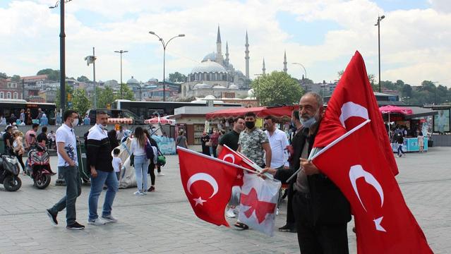 Без all inclusive, але з аперолем у руці: як з'їздити у Стамбул за копійки