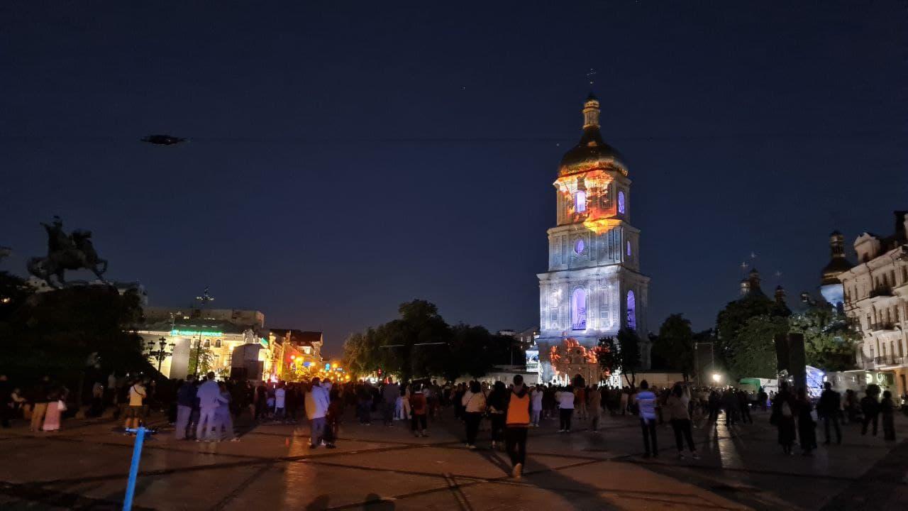 Пофарбували Софійський собор: в Києві проходить Французька весна