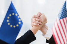 США та ЄС планують координувати зусилля для відповіді Росії