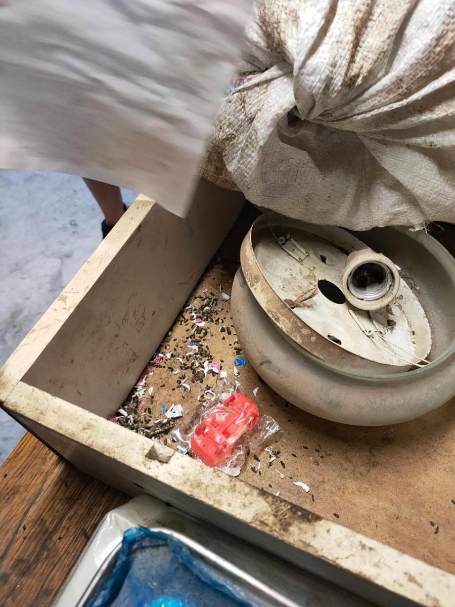 Бруд та пацюки: як зберігали їжу для освітніх закладів на Сумщині