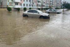 Аксьонов на човні, рятувальники – кролем: Керч затопило після потужної зливи