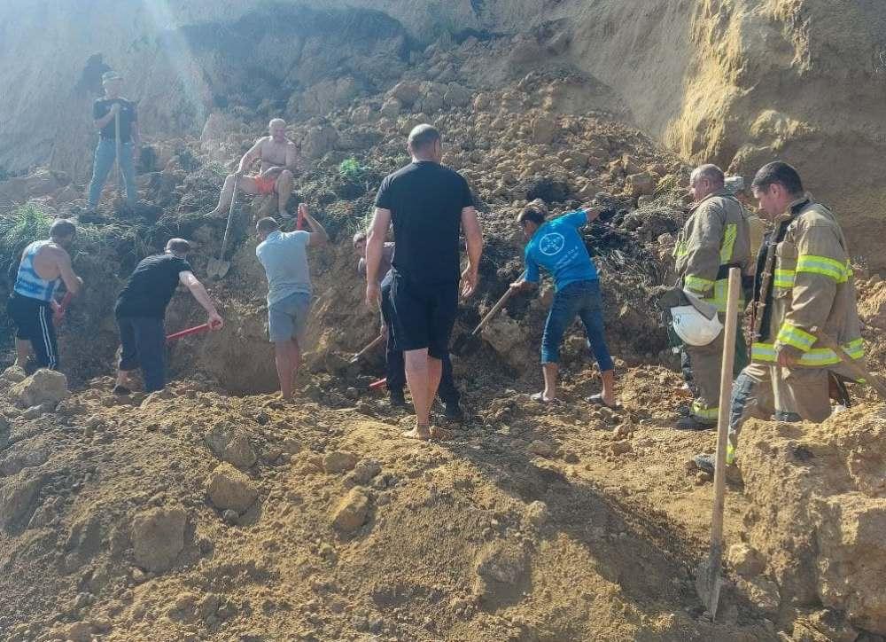 зсув ґрунта на пляжі одещина