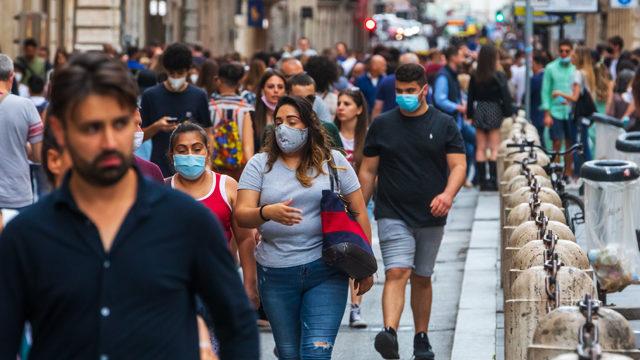 Італія готується до скасування носіння масок на відкритому повітрі