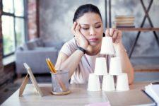 Скука и уныние повышают риск заражения Covid-19 – исследование