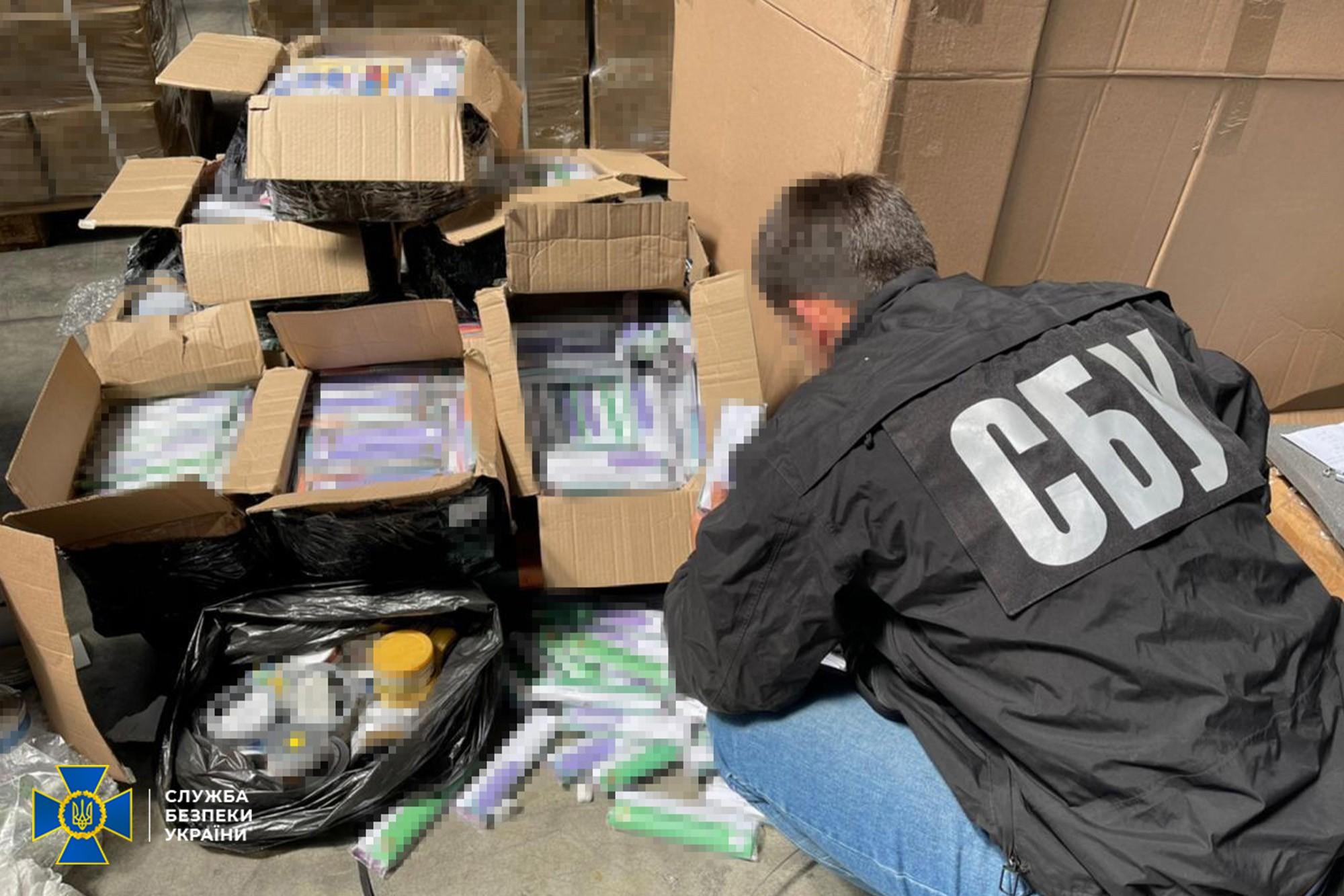 Контрабанду Apple на 30 млн грн в Борисполі викрила СБУ