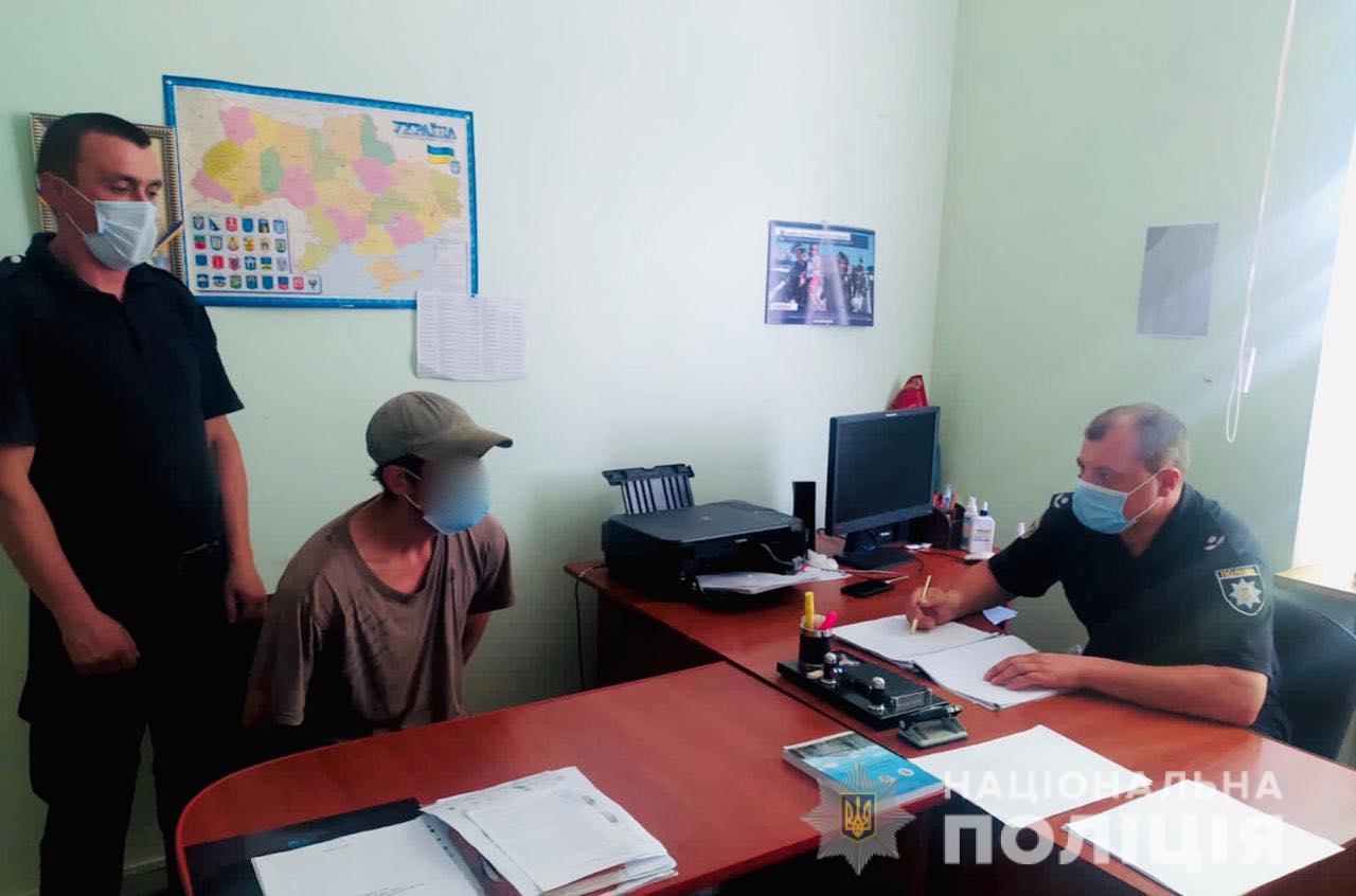 Заліз у будинок через вікно: на Івано-Франківщині чоловік зґвалтував пенсіонерку
