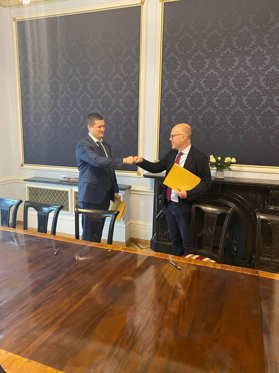 Amazon в Україні: глава Мінцифри підписав меморандум з компанією