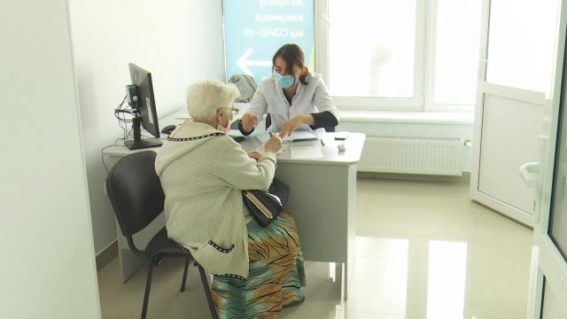 Прививки от Covid-19 на Буковине: почему область не готова к пятой волне вакцинации