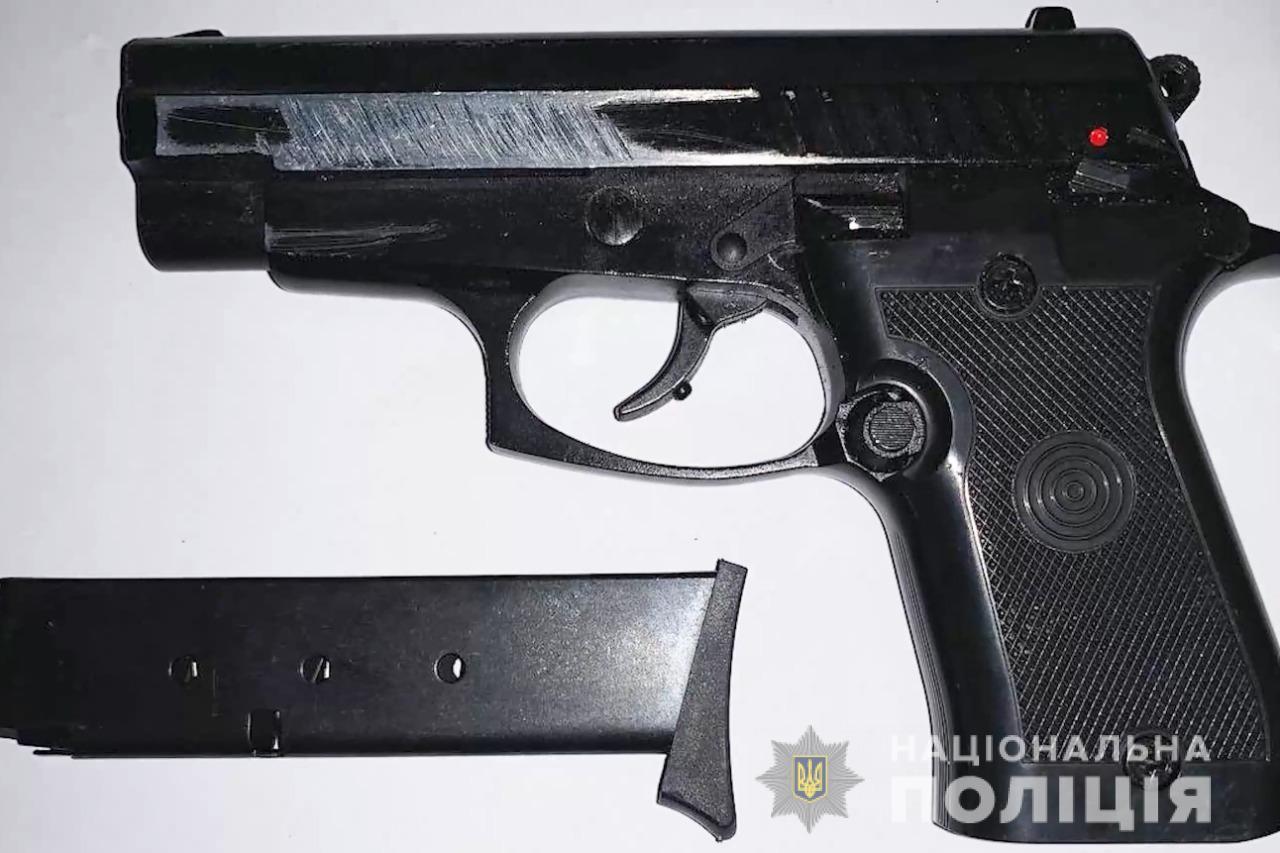Стріляли по ногах і викрадали дітей: під Києвом затримали особливо небезпечну банду Сенсея