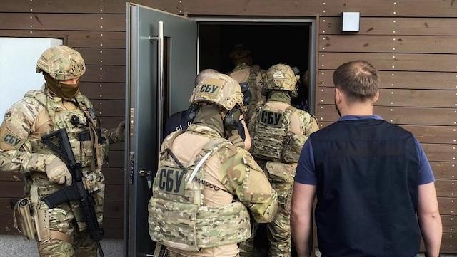 Захопили заручників: у Рівному СБУ відпрацювала затримання терористів