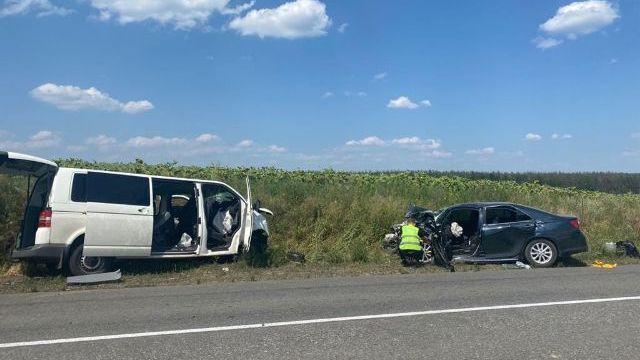 Дев'ять постраждалих: на Луганщині зіткнулися Toyota та мікроавтобус