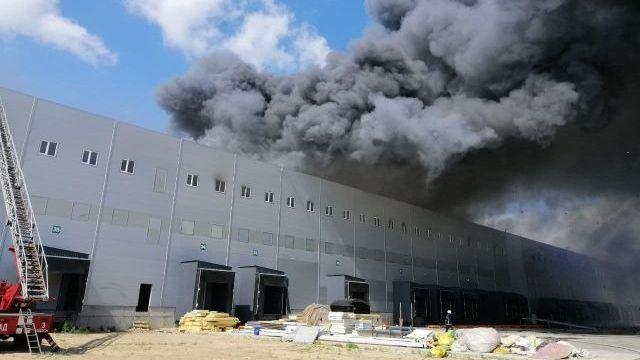 Пожежа під Одесою: вогонь спалахнув на складі