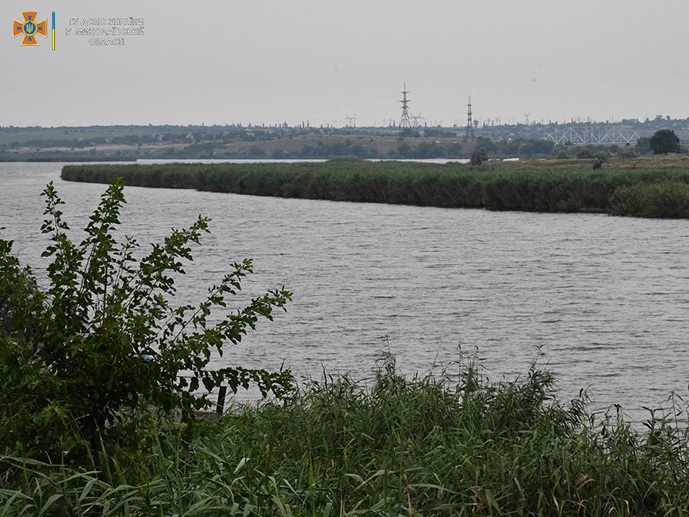 Новини Миколаєва: троє підлітків врятували жінку на воді, яка ледь не потонула (ФОТО, ВІДЕО)