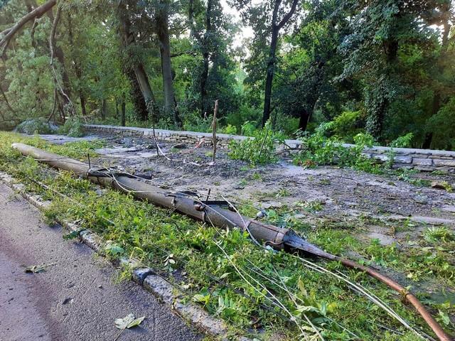 Пошкодив фортецю: в Кам'янець-Подільському пройшов ураган