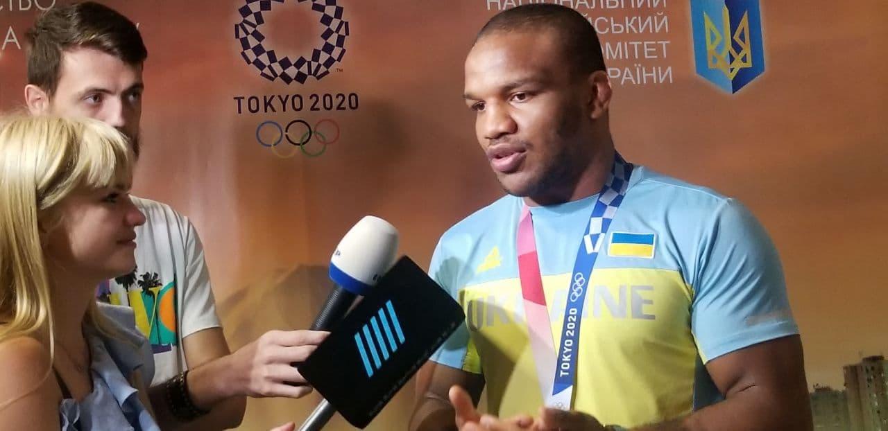 Жан Беленюк повернувся в Україну з Олімпіади-2020: як зустрічали олімпійського чемпіона