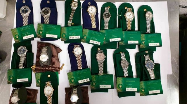 Годинники Rolex вилучили в аеропорту Жуляни