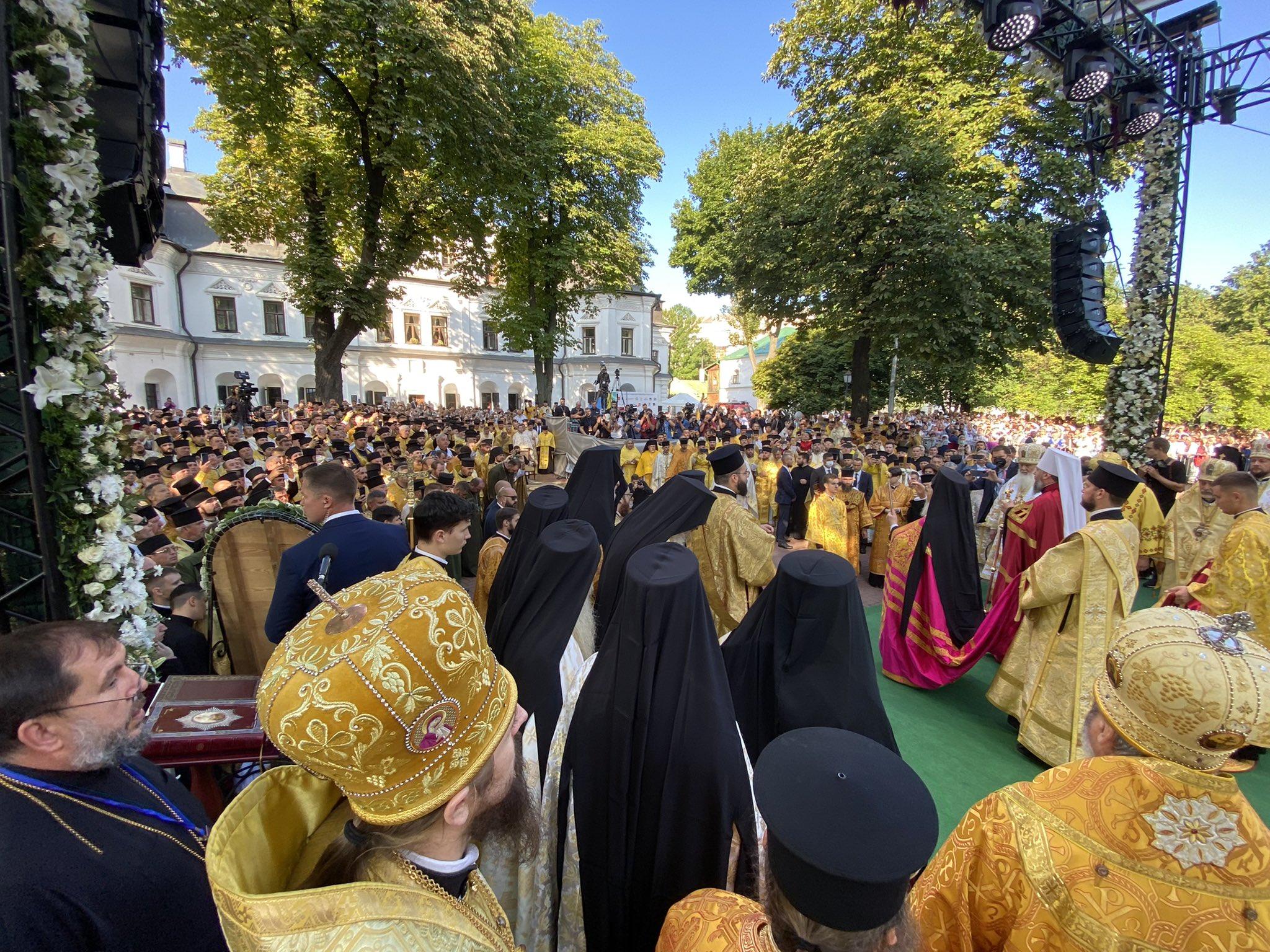 Вперше в історії: Патріарх Варфоломій провів літургію в Софійському соборі