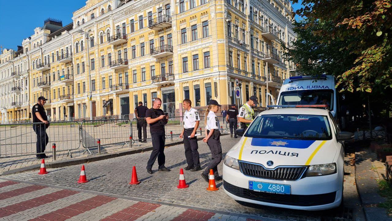 Обмеження руху в Києві сьогодні: на яких вулицях не проїхати