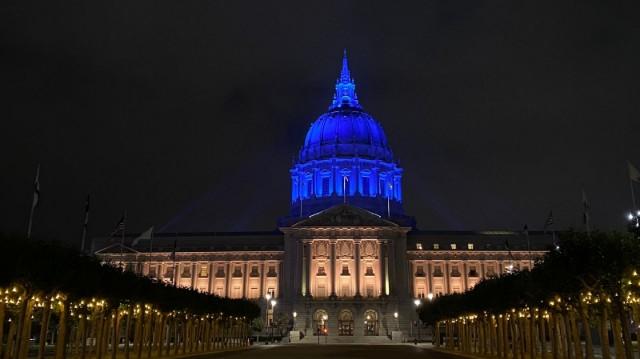 Зеленський візит до США – мерію Сан-Франциско підсвітили синьо-жовтими кольорами (фото)