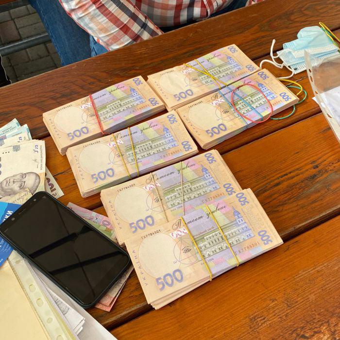 Новини Києва – чиновника Укрпрофоздоровниці затримали на хабарі (ФОТО)