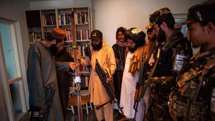 Таліби в Кабулі захопили посольство Норвегії – знищили пляшки з вином і дитячі книги