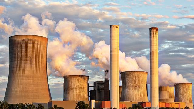 Ядерне будівництво в Україні: яких цін на електрику очікувати та можливі проблеми