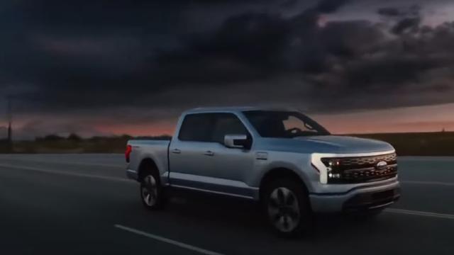 Живить будинки і перевозить тонну вантажу: електричний Ford F-150 захоплює ринок авто
