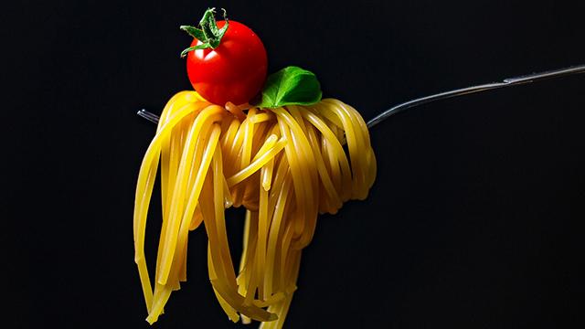 Які плюси середземноморської дієти та чому варто обирати макарони твердих сортів