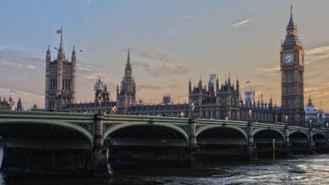 Британія дозволила в'їзд без самоізоляції вакцинованим українцям