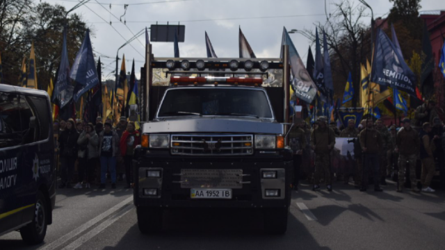 Парад в Северодонецке и Марш нации в Киеве: как Украина отметила праздники 14 октября