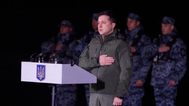 Козаки це не лише вуса, чуб і люлька: Зеленський про новітнє військо України