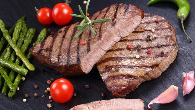 Стрибок цін на свинину: коли прогнозують та чому дорожчає м'ясо і сало
