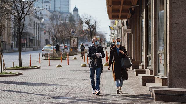 Новий локдаун в Україні: чи є альтернатива та привілеї для вакцинованих у світі
